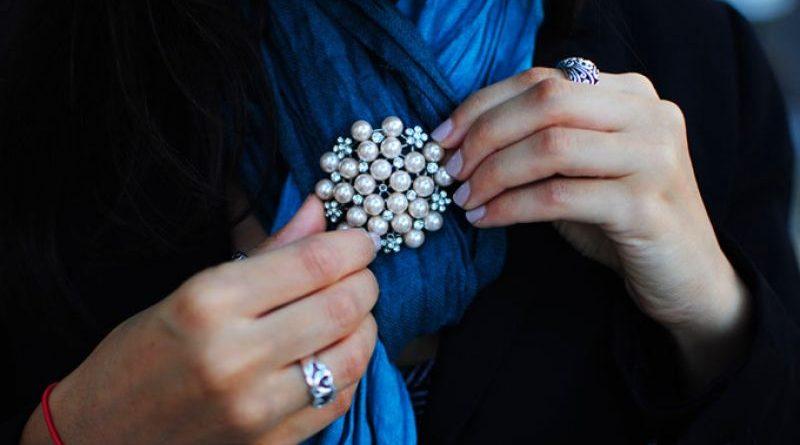 Brosa din argint, o bijuterie feminina atemporala!